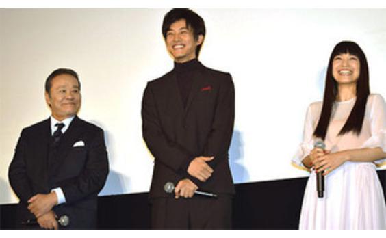 松坂桃李、11億円のバイオリンを弾く 映画「マエストロ!」完成披露試写会