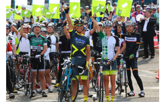 「ツール・ド・東北 2015」が今年も開催。 ケネディ駐日米大使らが3478人のライダーと三陸沿岸を自転車で快走
