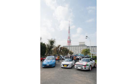 東京モーターショー60周年   秋空の下、名車たちが都心をパレード(動画あり)