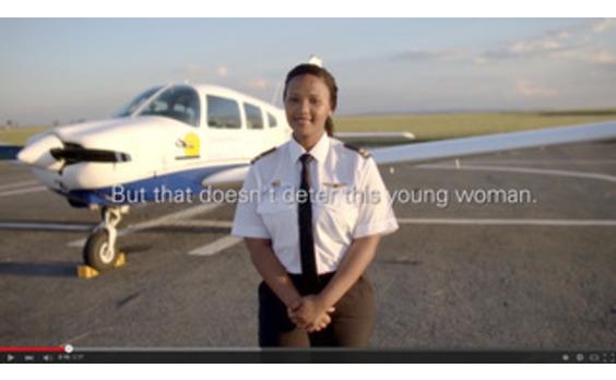 グローバル★国際女性デーに南アフリカ初の女性パイロットの夢をかなえる