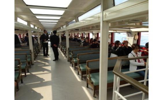 橋建協が「隅田川橋めぐりクルーズ」に150人を招待し、鋼橋への親しみアピール