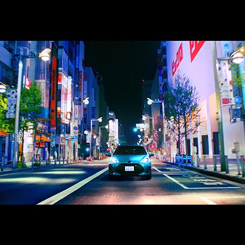 トヨタ自動車   新型アクアは、エレクトリカルパレード のテーマとともに