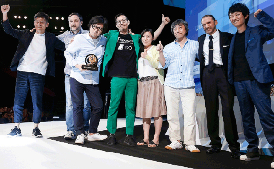 第64回カンヌライオンズで電通グループは電通ヤング・アンド・ルビカムのモバイル部門 グランプリを含め28個の賞を獲得、メディアエージェンシーとしても26個の受賞作品に関与