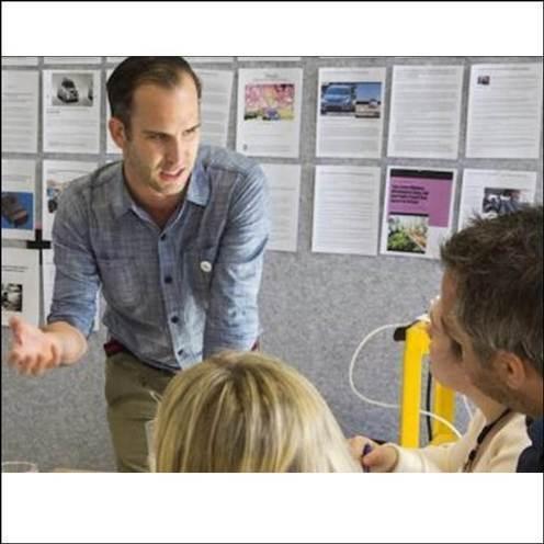 デザイン視点からのイノベーションを学ぶ経営者たち
