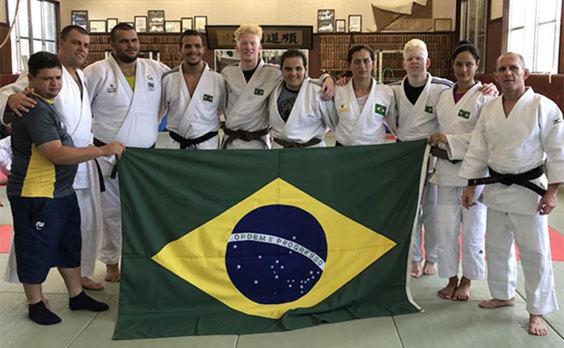 ブラジル視覚障がい柔道チームが弘前市で強化合宿。  日本チームとの合同練習も