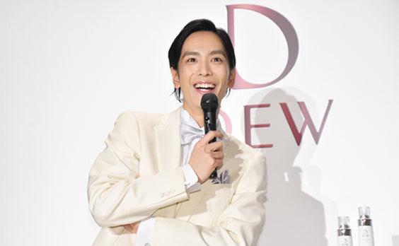 カネボウ化粧品「DEW」  2.5次元俳優をサポーターに起用