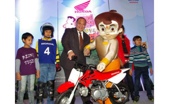 インド発★ ホンダが人気アニメと提携、交通安全の啓発活動で