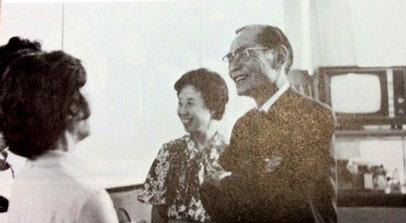 1971年頃、データテープの回収員と歓談