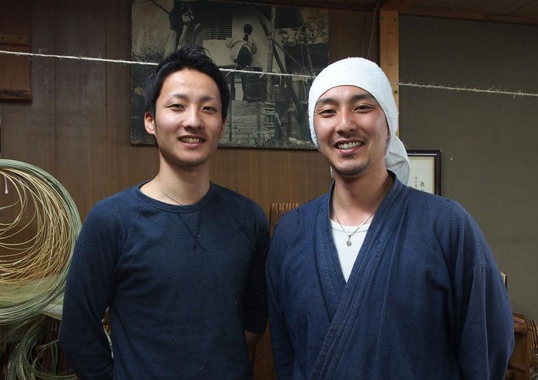 (左から)小嶋諒さん、小嶋俊さん