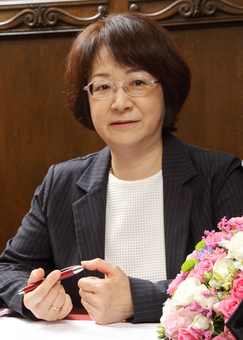 新井恭子准教授
