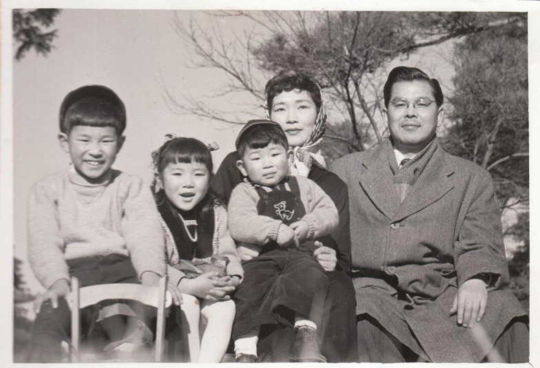 家族の写真(昭和29年ごろ)