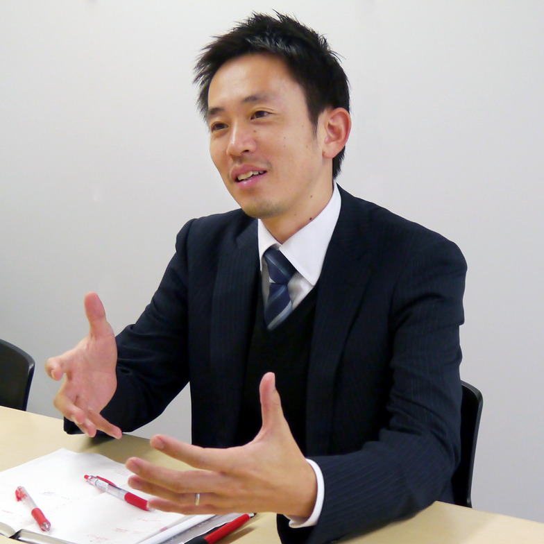 長倉 潤氏