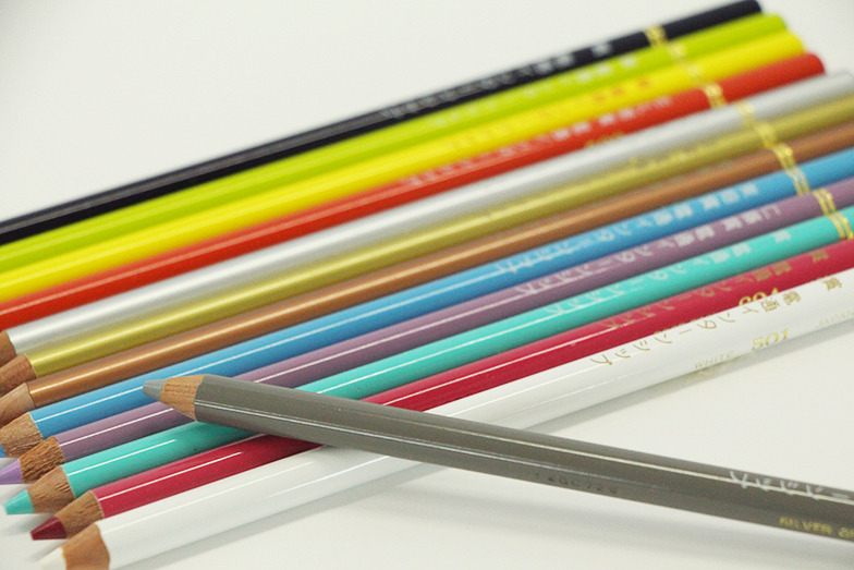 特製の色鉛筆