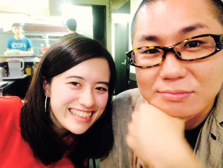 コピーライターの福岡さんと書道家の八戸さん