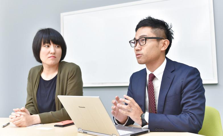 ネクステッジ電通の豊泉伶奈さんと渡辺涼太さん