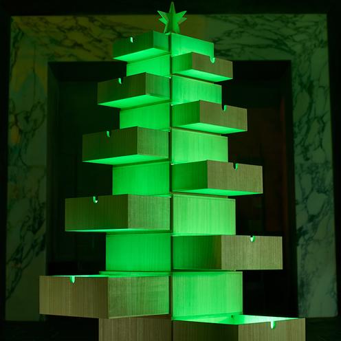 【香川】桐箱でつくるクリスマスツリー。