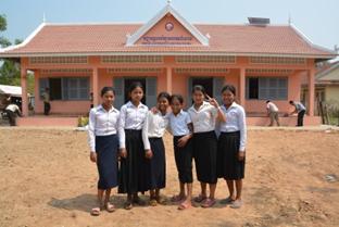 新しく建設されたロハル村の寺子屋