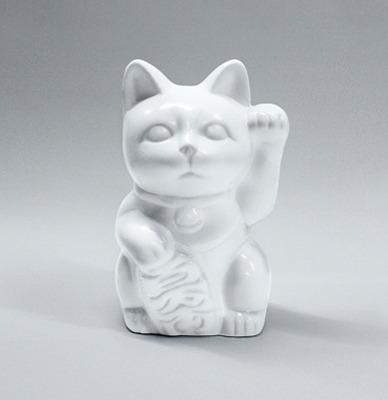 白無垢の招き猫