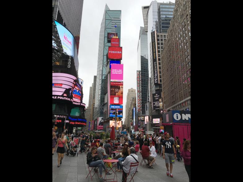 ニューヨークの中心地、タイムズスクエア