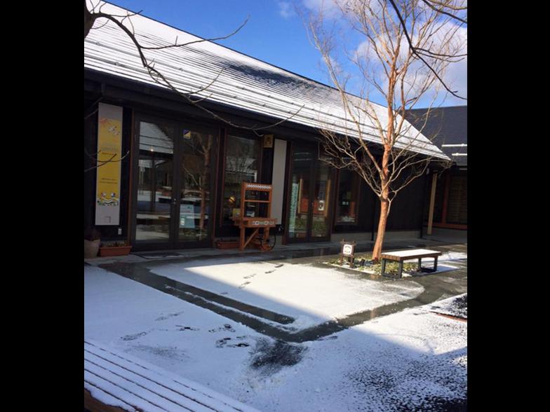 3月、雪景色の工房