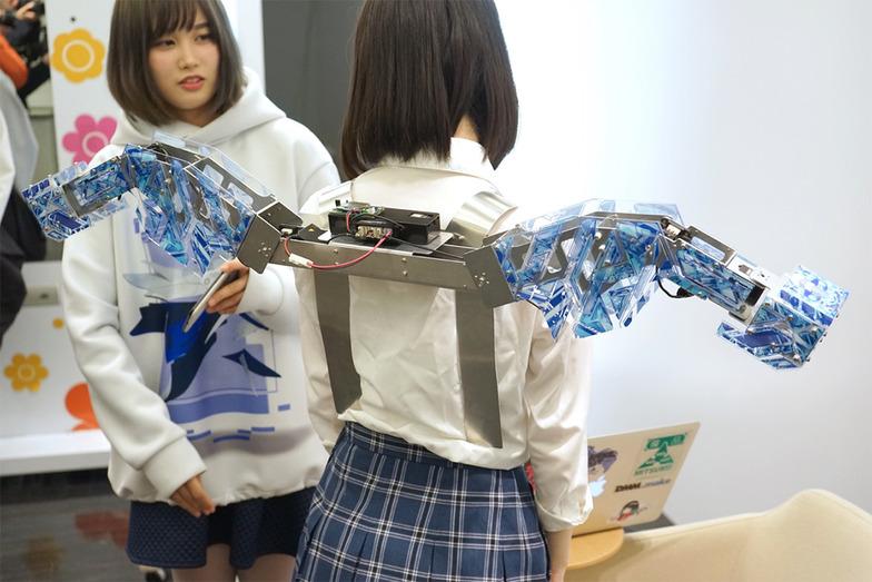 ロボットアーム開閉時の動きはバレエから影響を受けているそう