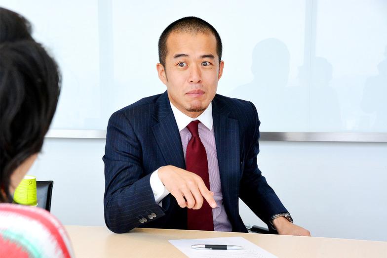 鋭い指摘をする田端さん。最近「熱狂」したことは、「東京マラソン2016」を完走したこと。