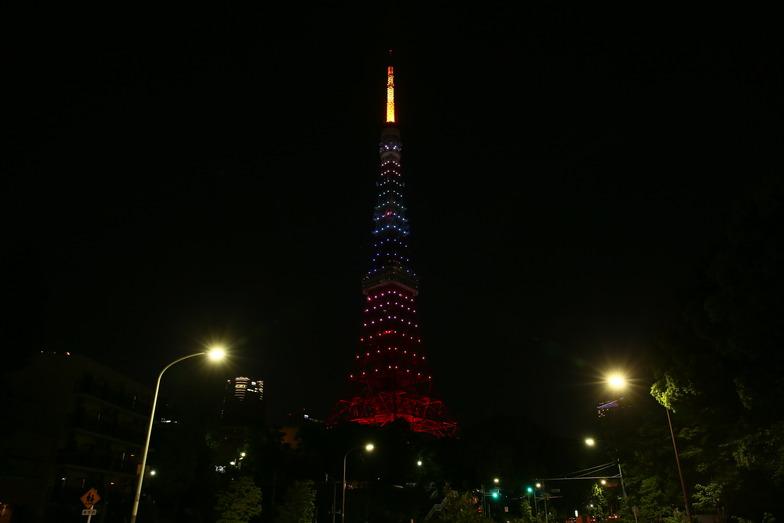 午後10時までは7色の東京タワー