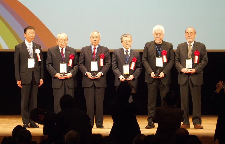 (左から)大平理事長、加賀見、堀、小林、原、福井の各氏