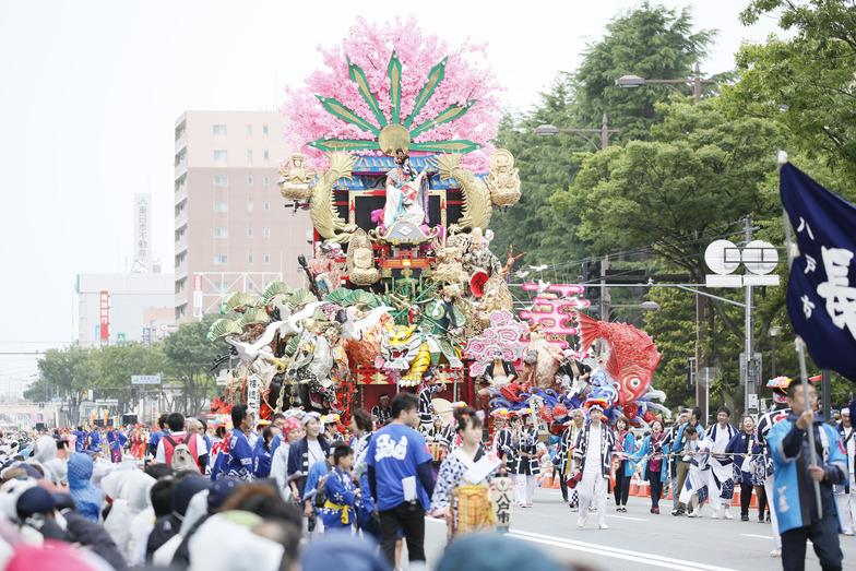 青森県被災地の復興の証しとして特別参加した「八戸三社大祭」