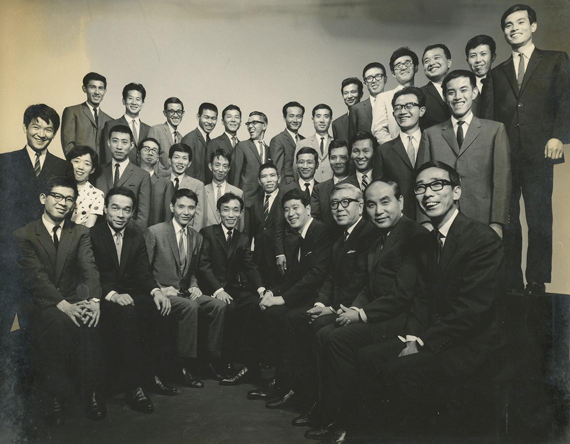 NDCのメンバーと。前列左端が岡田耕、左から4人目が梶祐輔