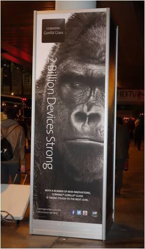 米コーニング社のゴリラガラスの広告。