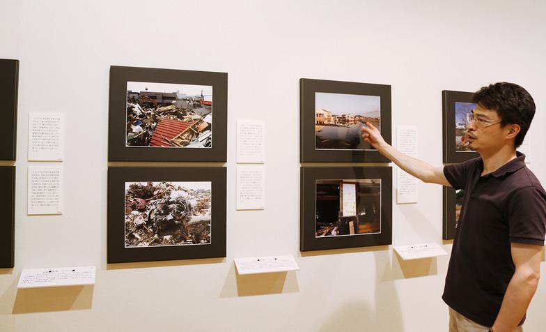 被災現場の写真パネルには、撮影した意味が分かるように撮影者が書いた解説文が一緒に展示されている。