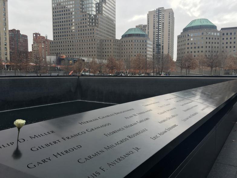 ニューヨークの世界貿易センター跡地(グラウンド・ゼロ)で。あらためて、犠牲者の方々に心より哀悼の意を表します。