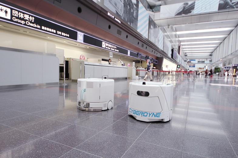 サイバーダインのクリーンロボット
