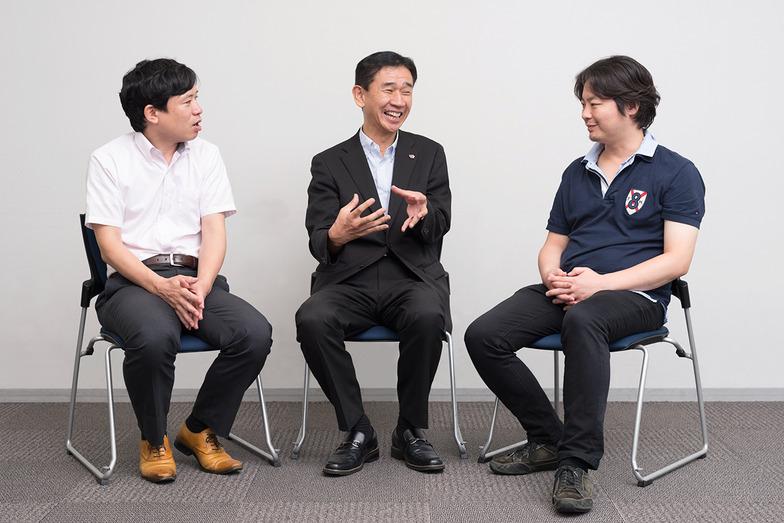 (左から)青山 隆一氏、服部 展明氏、水石 和仁氏