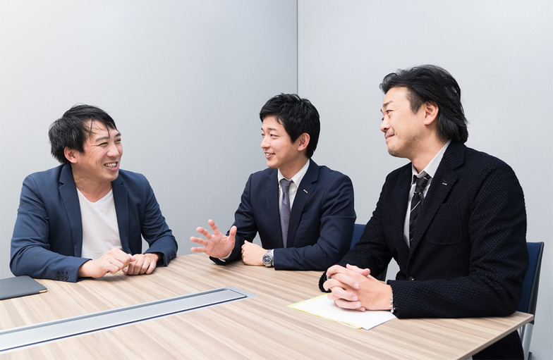田中氏(左)