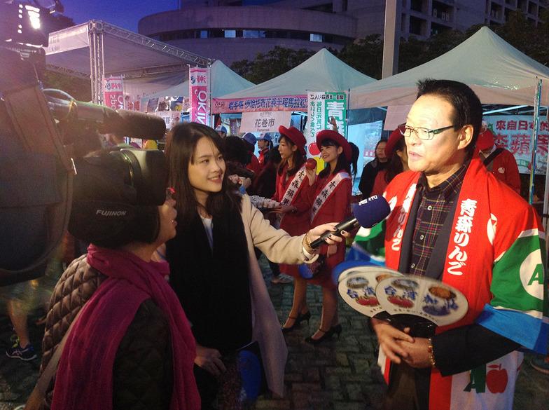 台湾マラソンにおいて現地テレビ局からのインタビュー