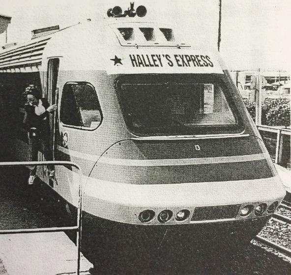 オーストラリアへのハレー彗星観測ツアーでは1000人におよぶ観光客が「ハレー特急」に乗って観測地に赴いた