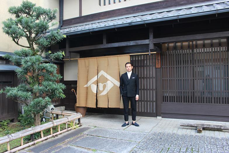 ショップ兼ショールーム〈HOUSE of HOSOO>にて