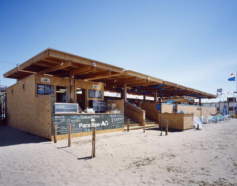 日本たばこ「Paradise-AO」 鎌倉由比ケ浜に開いたマイルドセブンのブランド価値を体現した海の家