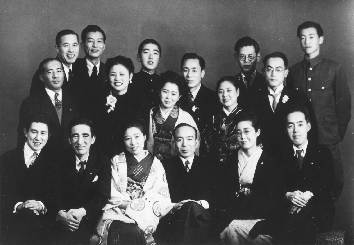 昭和3年の同期入社だった吉田秀雄(前列中央)と田中寛次郎(前列左から2人目)
