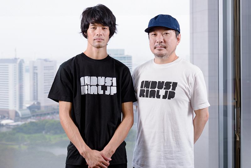 「INDUSTRIAL JP」グラフィックデザイナーの下浜臨太郎さん(左)、サウンドディレクターのDJ MOODMANこと木村年秀さん