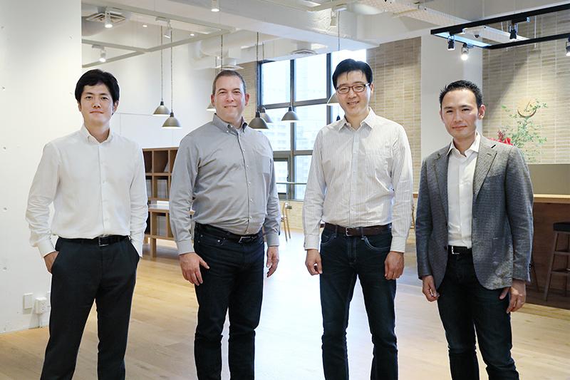 左から、嶋瀬 宏氏、ヤロン・ガライ氏、チャールズ・ハフ氏、青木圭吾氏
