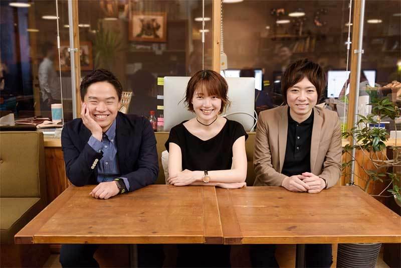 左から能勢哲司氏(電通)、塩谷舞氏、天野彬氏(電通)