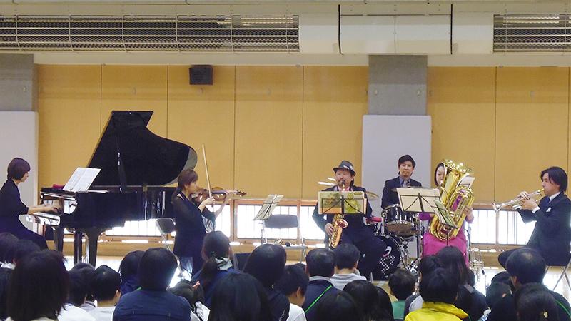 三菱地所の「Shall Weコンサート」の様子(1)