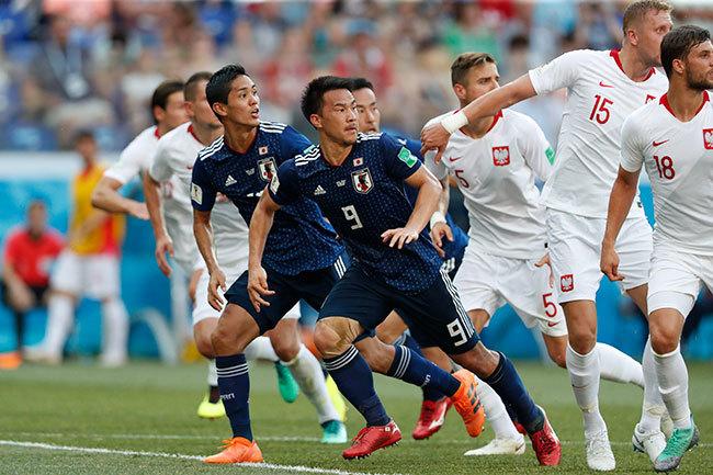 その結果、日本とセネガルは、1勝1分1敗で勝点4、得失点差、総得点でも並んだ。しかし、日本はイエローカードやレッドカードを数値化したフェアプレーポイントで