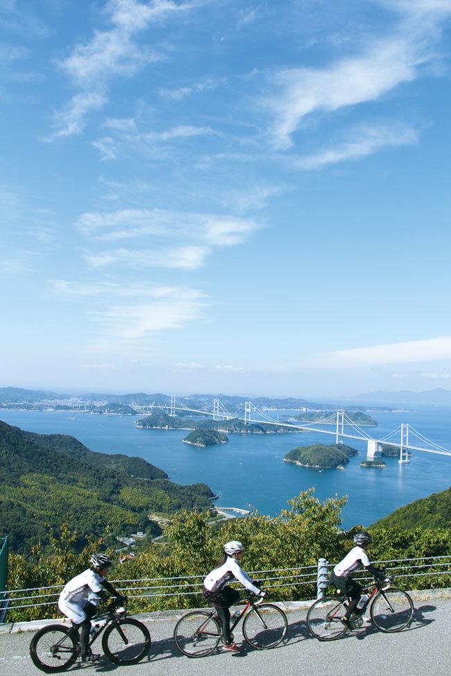 亀老山から望む来島海峡大橋
