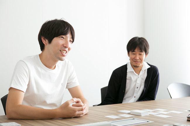 電通Bチームの鳥巣智行(左)、大山徹(右)