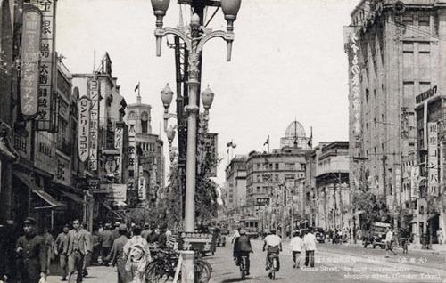 昭和初期の銀座4丁目付近