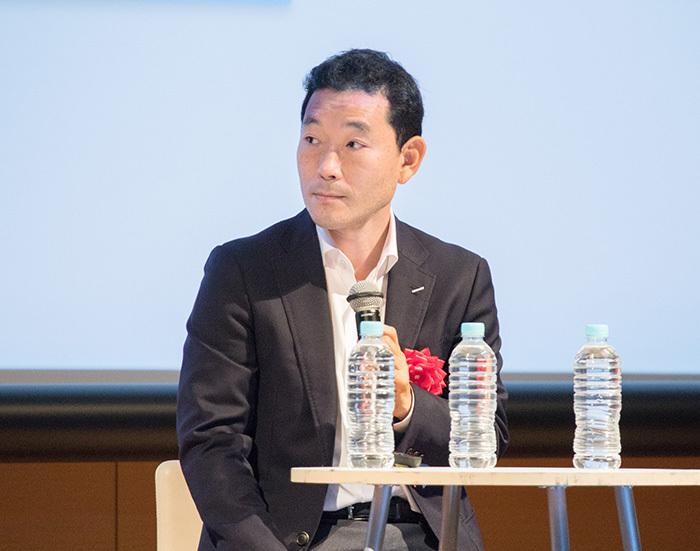 サントリーコミュニケーションズの篠崎有平氏からは、ECで行った「プレミアムモルツ」の父の日用の特別パッケージの事例が紹介された。同パッケージの効果で売り上げが増加したという。